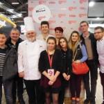 Bravo France - Dominique et Erwan Fieurgant avec un famille de pâtissiers
