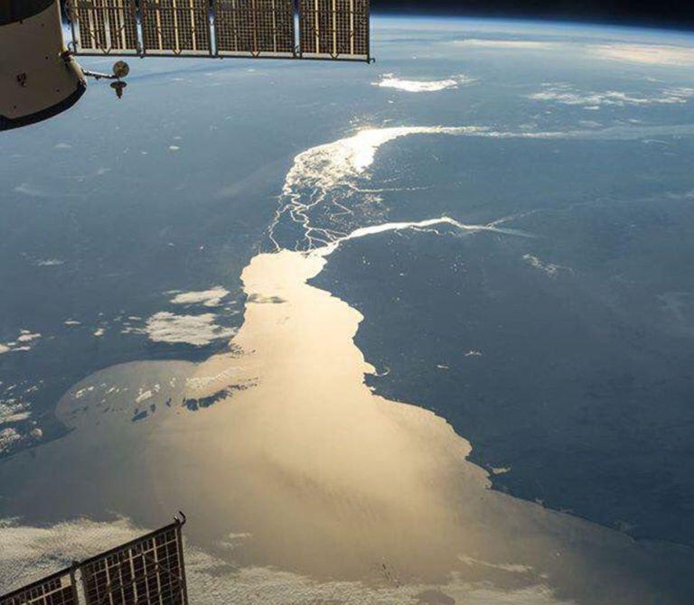 Le Rio de la Plata, la plus grande embouchure au monde vue de puis l'espace ©NASA